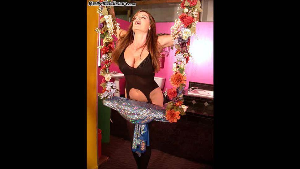 Kelly Madison HUGE 34 FF Natural Titties PICS 'Swinger' (11-02) Slideshow