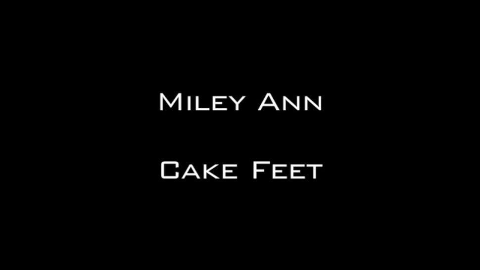 Miley Ann Cake Feet