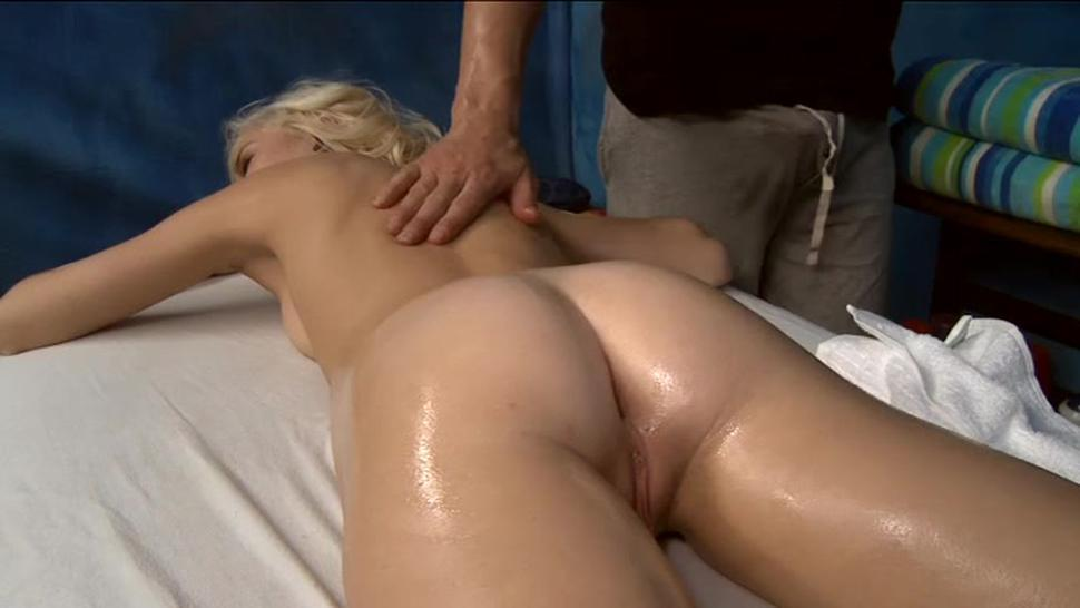 Delicious blonde chloe foster enjoys facials after sex
