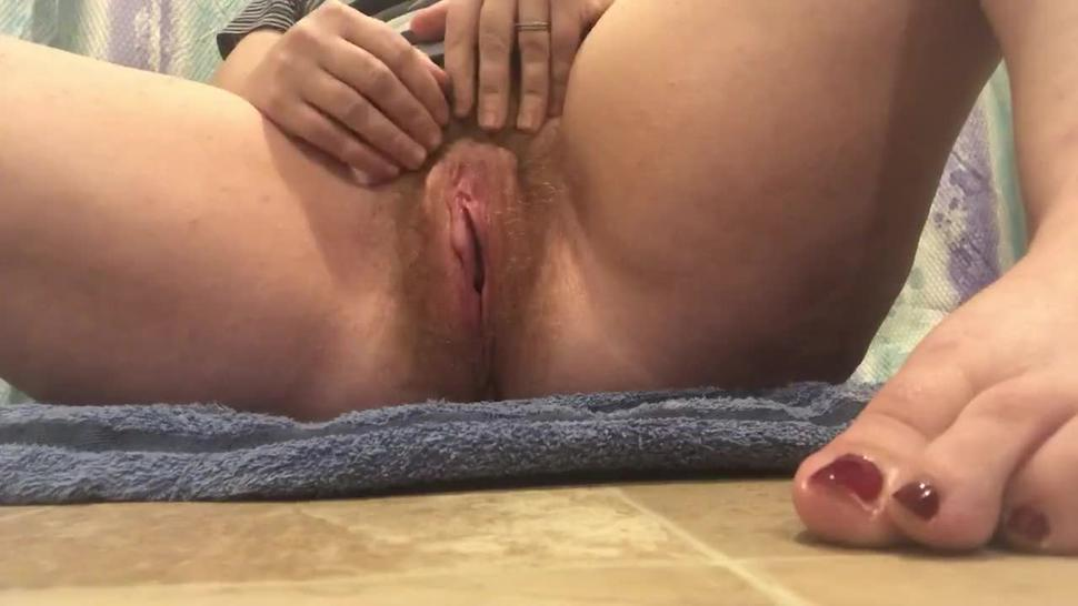 Horny hairy pussy milf clit orgasm solo