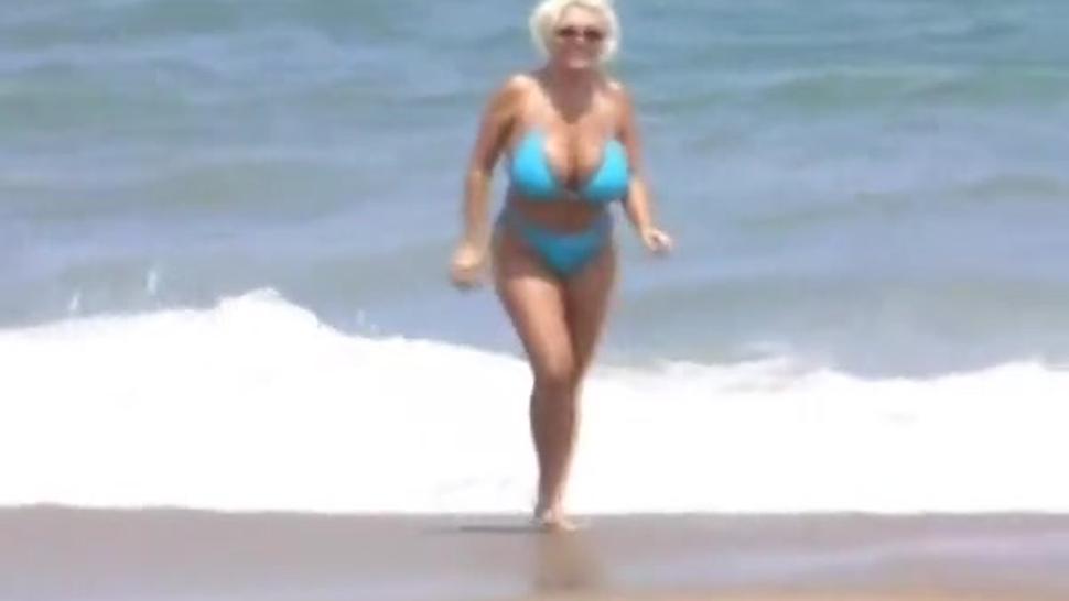Busty MILF On The Beach - TNAFlix Porn Videos