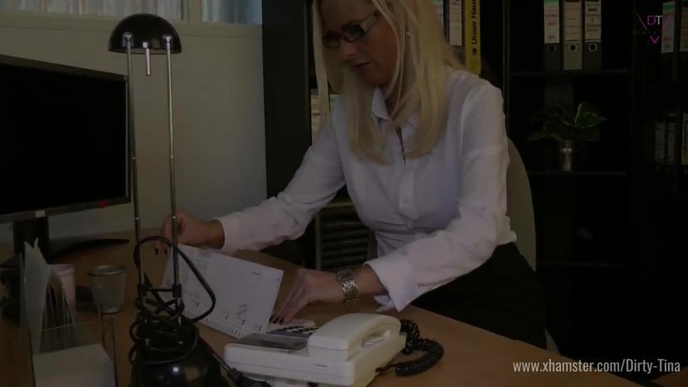 German mature lady-boss seduces younger guy at audition