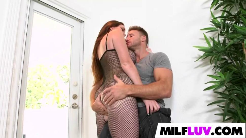 MILFLUV - MILF Jessica Rayne Is Naughty In Net