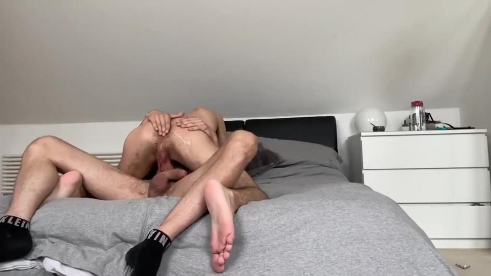 hot guy tries to pull out but more goes up bttms ass