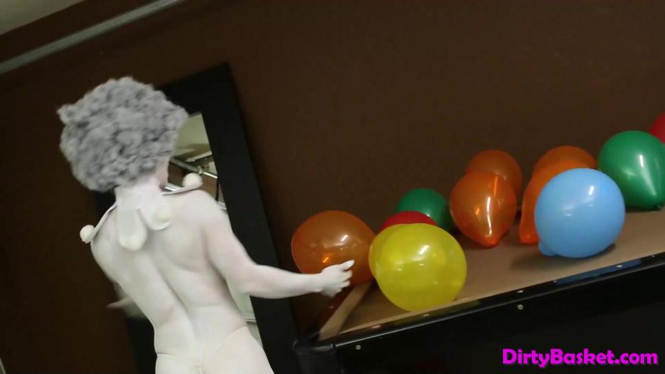 Hd/cosplay clown with video babe