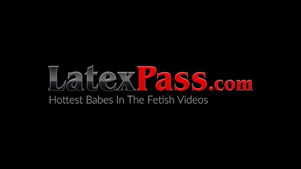 LATEX PUSSY CATS - Latex domina goes for hardcore anal threeway FFM pounding