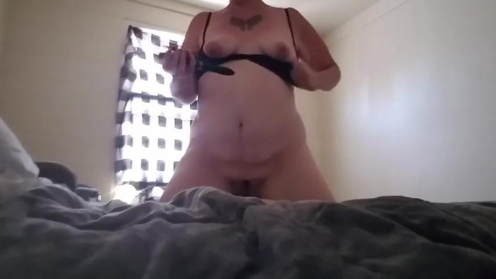 Masturbating/watches while orgasm brush goth