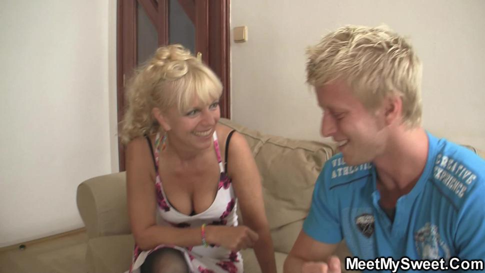 MEETMYSWEET - His hot blonde girlfriend riding old man dick