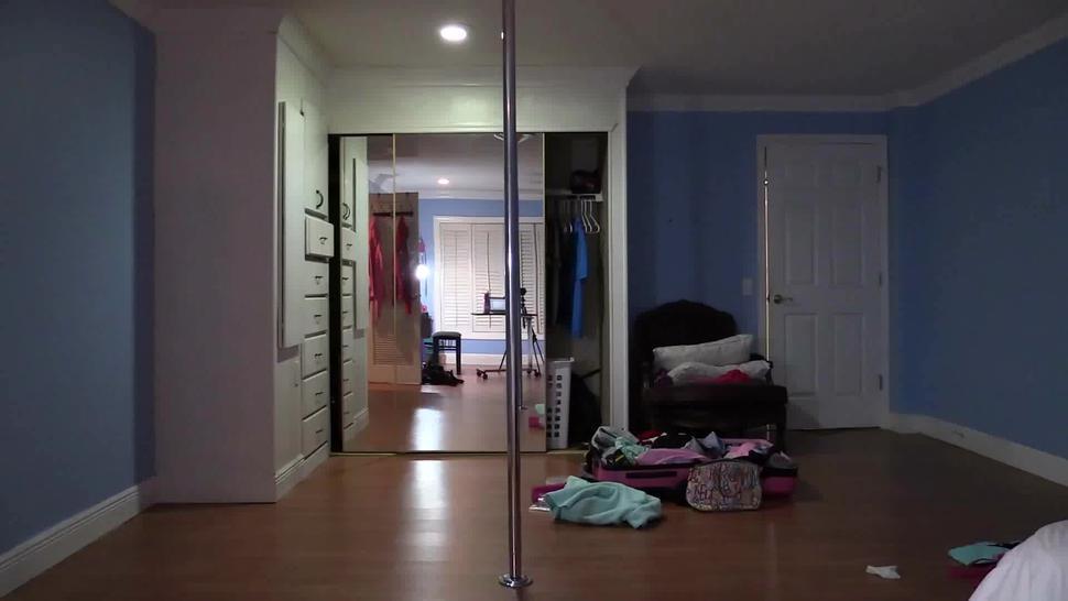 Story About Amateur Pole Dancer - Lelu Love