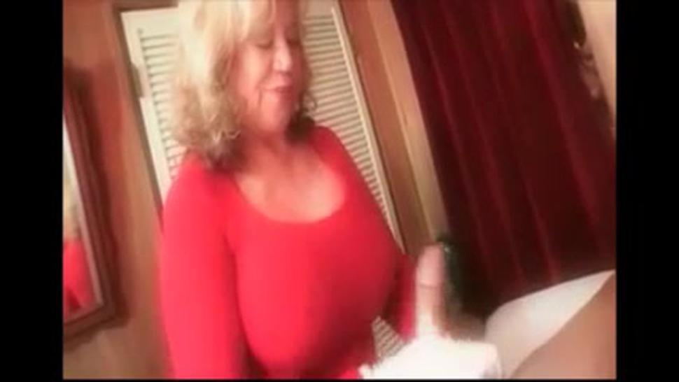 Dominanat Granny Is Giving Handjob To A Guy While Is Talking Dirty