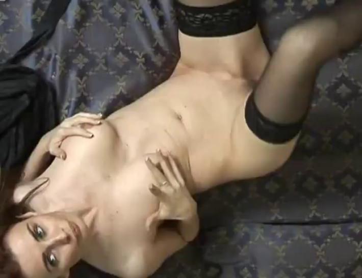 Pamela Neri Masturbates Her Pussy (Italian Pornostar)