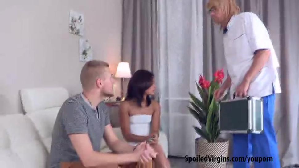 Young Veronica did not want to be a pussy the first time she had sex