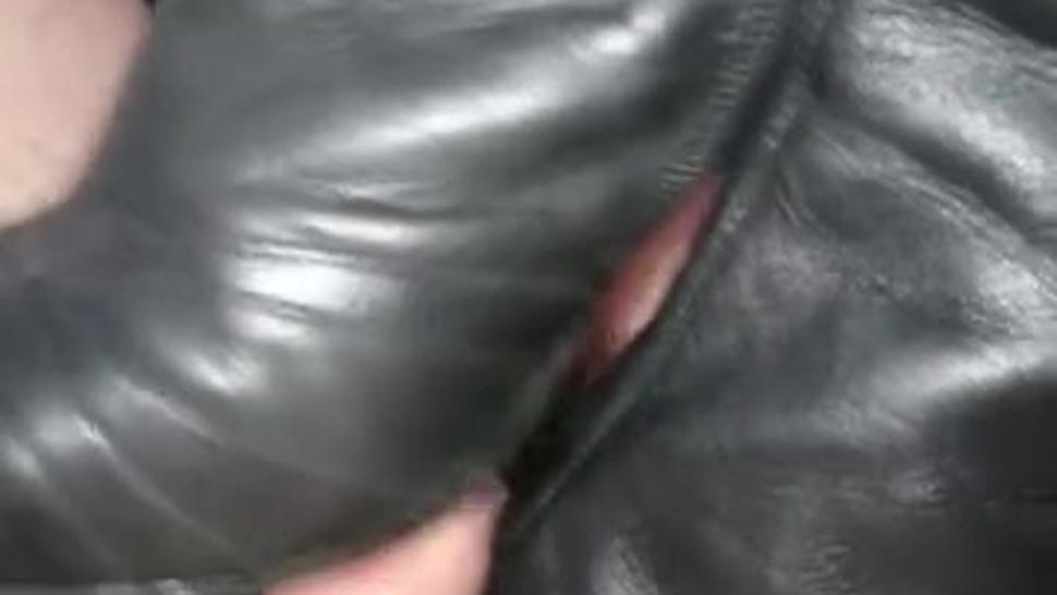 Shoejob in boots with huge cumshot