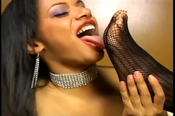 Showing porn images for mariska hargitay bondage porn