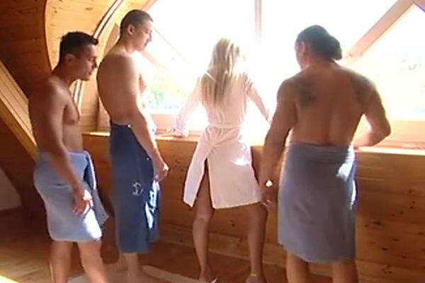 Czech blonde gangbanged – bostero
