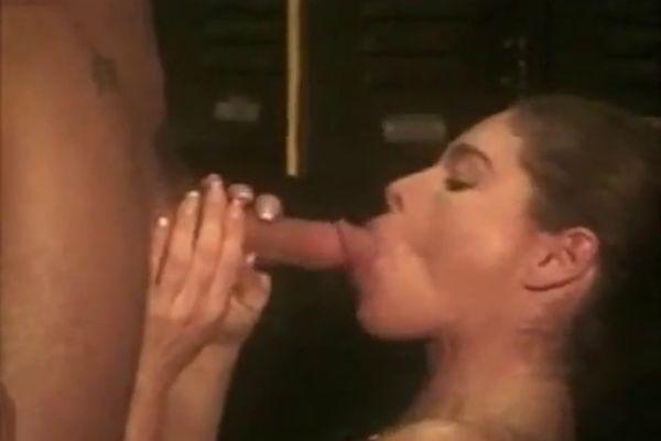 Phatt latina ass nude blowjob