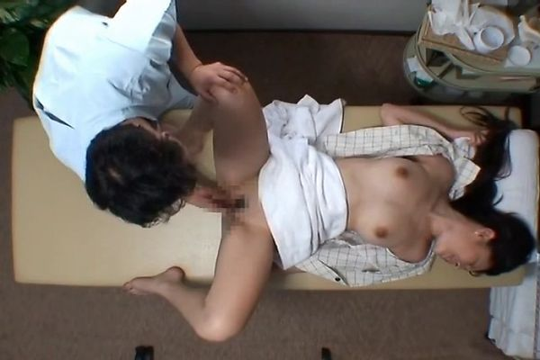 Japanese model seduce reluctant