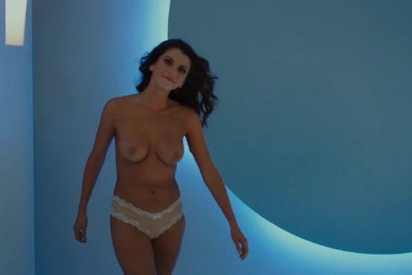 nude hot tub videos