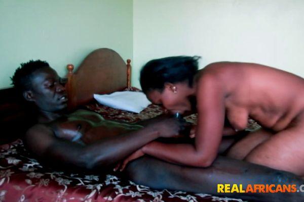 Ghana Sex Videos slaaf meisje blowjob