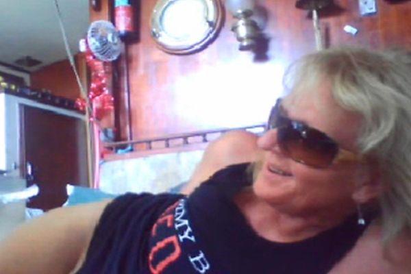 Old grandma oma smoder