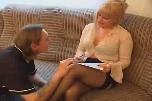 русские зрелые дамы обучают молодых сексу - 11