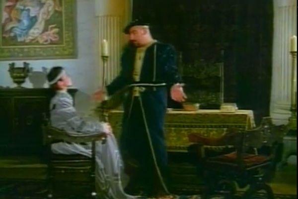 ruminiya-eroticheskie-filmi-babam-konchayut-na-grud-i-oni-sosut-chlen