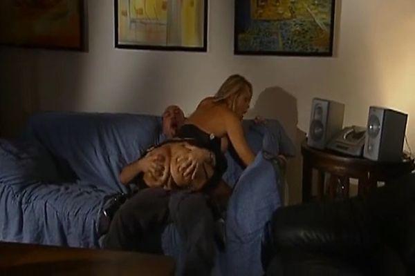 Italian milf diva has good sex