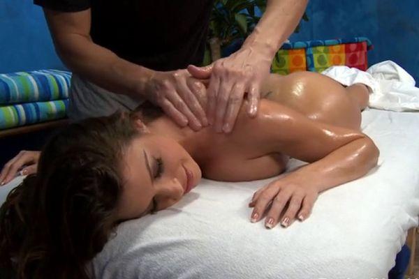 priglashenie-na-eroticheskiy-massazh
