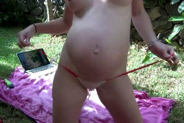 беременная какает фото