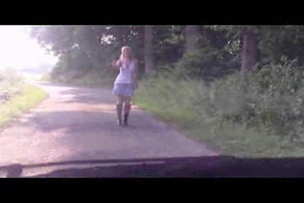 Бдсм трансвеститами видео некрасивую тетку пустили по кругу