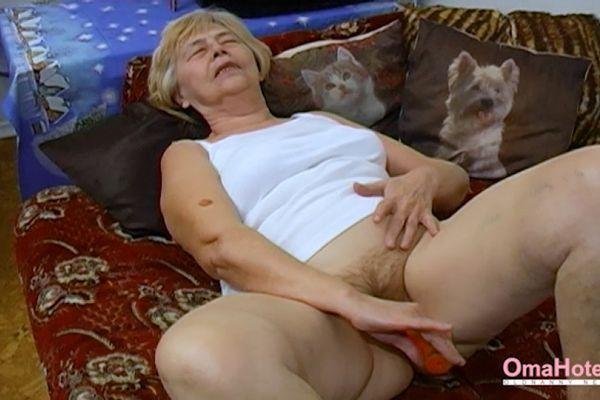 Homemade old granny porn
