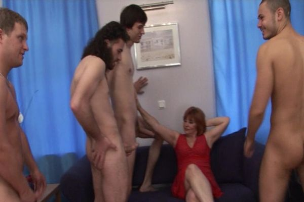 image Susie carina recieves an ass hole creampie