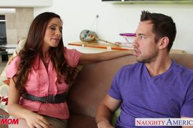 Splendid  Ariella Ferrera gets nailed on the couch