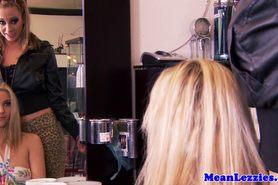 прелестный красотка красота большие сиськи блондинка крупным планом милашка шаловливые пальчики лесбиянка lesbiansex лездом Tattooed облизывание мастурбация оральный киска тату фото 12