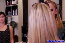 прелестный красотка красота большие сиськи блондинка крупным планом милашка шаловливые пальчики лесбиянка lesbiansex лездом Tattooed облизывание мастурбация оральный киска тату фото 1
