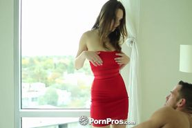 Jade Nile shows how she likes her pussy taken care of