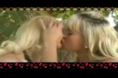 Bree & Samantha Kisses