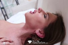 Sexy Rachel Roxx is giving blowjob to boyfriend