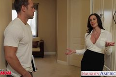 Chesty Kendra Lust gets facial