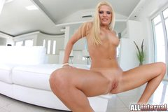 Stunning blonde shows off her messy creampie