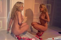 Teenage Stripper Squirts on her Reflection