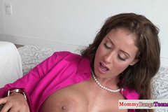 Busty milf pussylicking in trio before facial