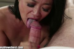 MommyBB Stepmom Lucky Starr is sucking my friend!