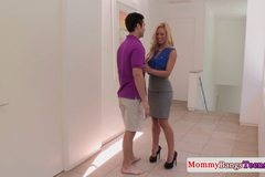 Glam mature cougar helps teen couple fuck