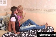 Teen Jolanda gets ass fucked and cummed
