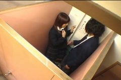 Japanese schoolgirls 02 - Serial handjobs in the toilets