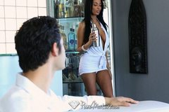 HD - Exotic Anissa Kate serves drinks from her pussy