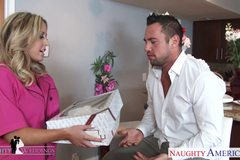 Blonde hottie Payton West gets facialized at a wedding