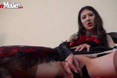 Hot German Brunette cums with Golden Dildo