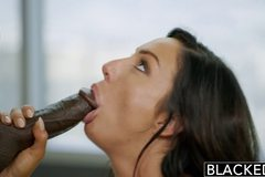 New York Escort Tiffany Brookes Gets Facial From Big Black Cock